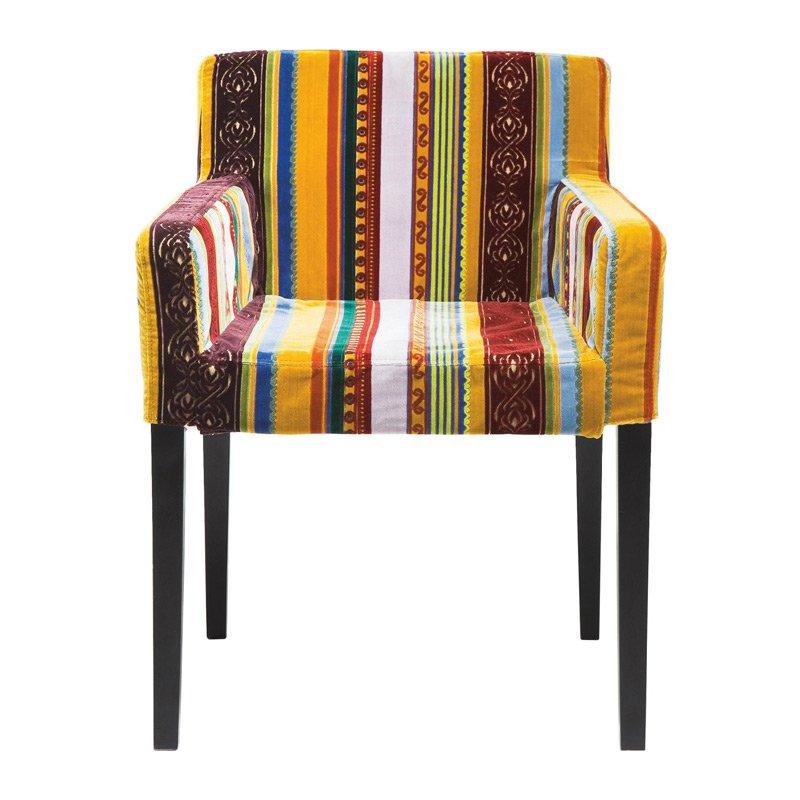 Kleurrijke stoel met armleuningen