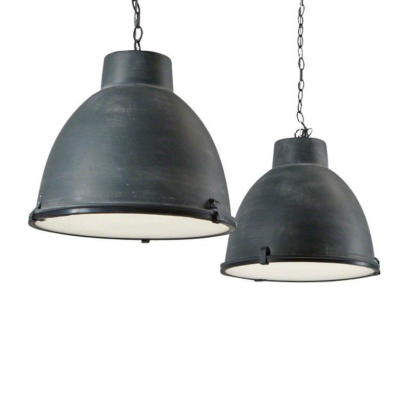 Twee eettafel lampen van staal santa sorana for Lampen 4 you