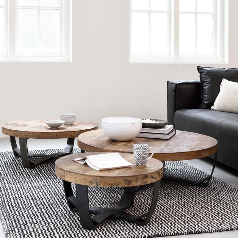 Ronde salontafel met een zwart onderstel