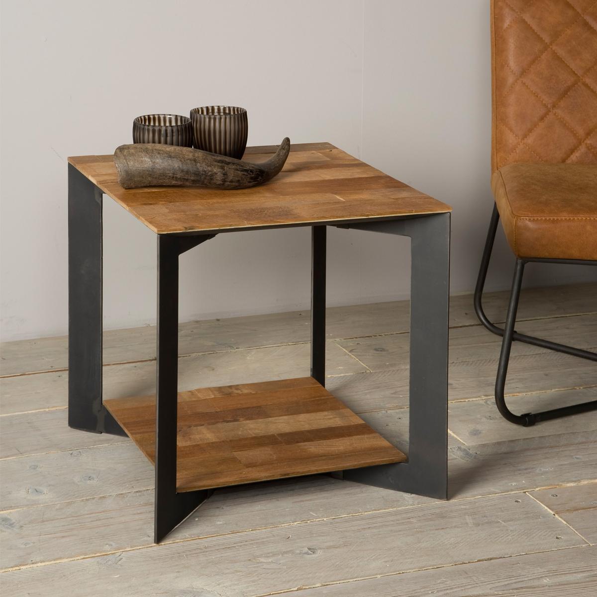 Hoektafel van hout en metaal