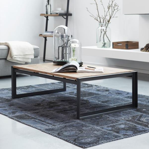 Industriele salontafel van hout