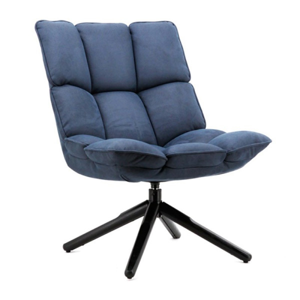 Comfortable fauteuil met stiksels