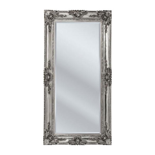 Spiegel met ornamenten