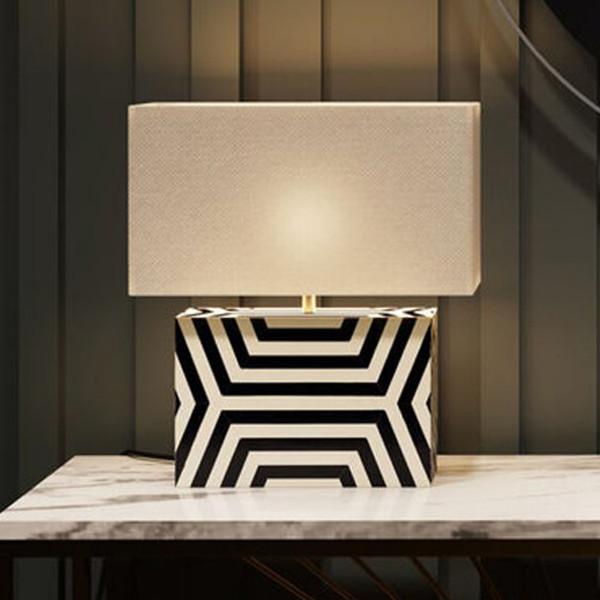 Design tafellamp zwart wit
