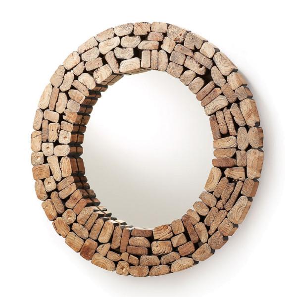 Spiegel van gerecycled hout