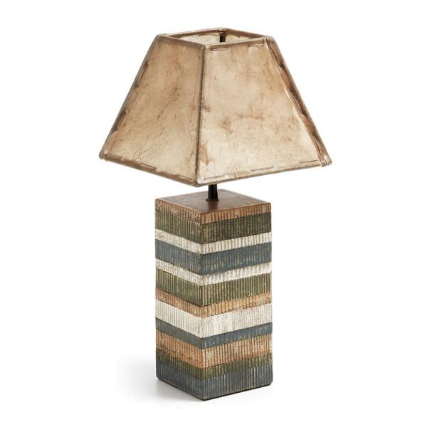 Lamp van gekleurd hout