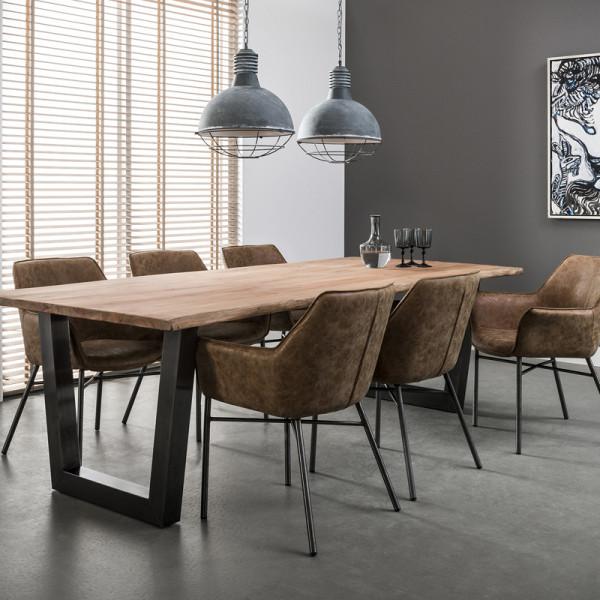Plantagehout tafel