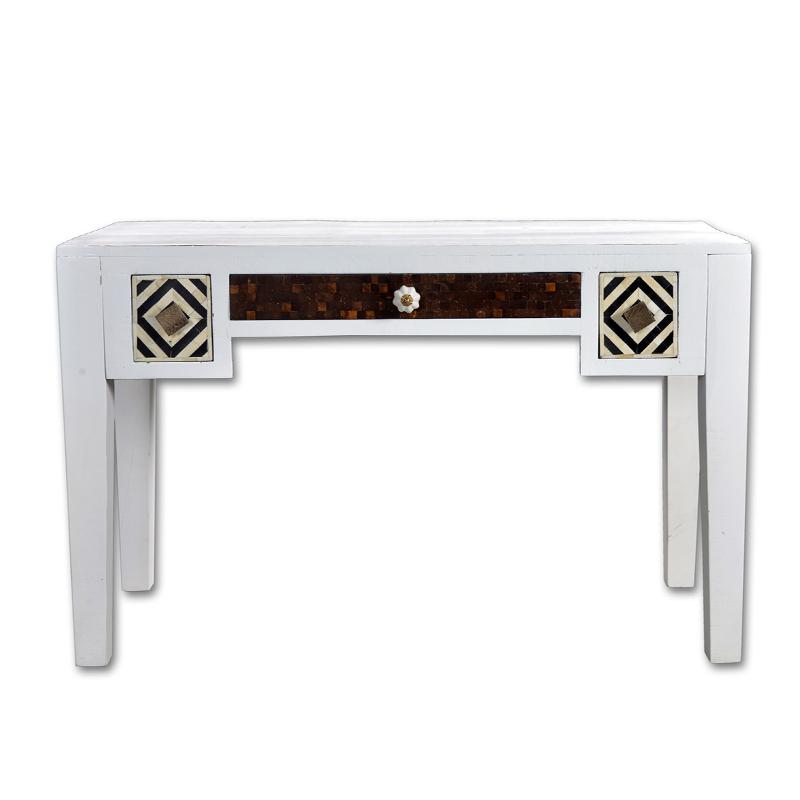 Wit bureau van mangohout